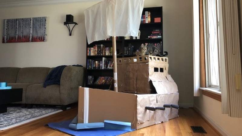 Turn your old Boxes into a pirate ship on Live in the D