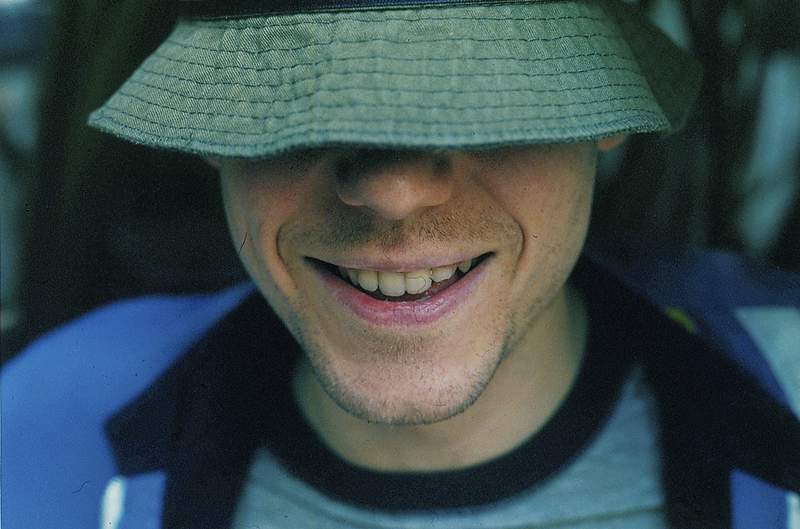 Portrait of singer Gregg Alexander, of the alternative rock band the New Radicals, 1999. (Photo by Michel Linssen/Redferns/Getty Images)