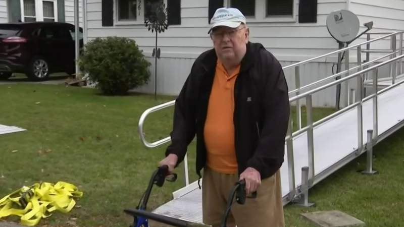Habitat for Humanity builds ramp for 93-year-old veteran