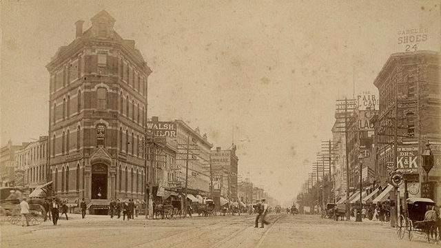 Detroit in 1902 (The Burton Historical Collection -- Detroit Public Library)