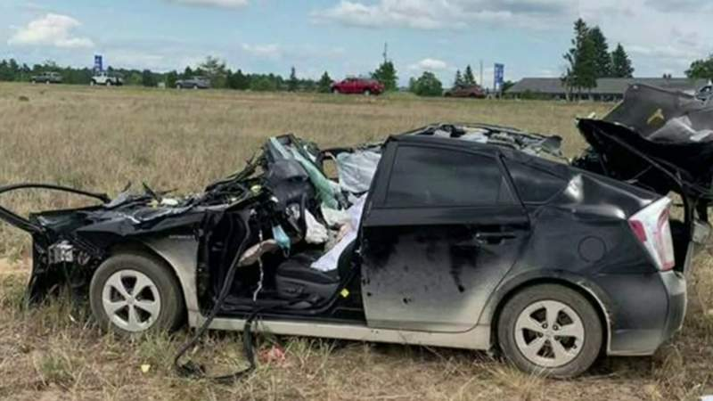 2 sisters from Richmond killed in crash on I-75 in Bagley Township
