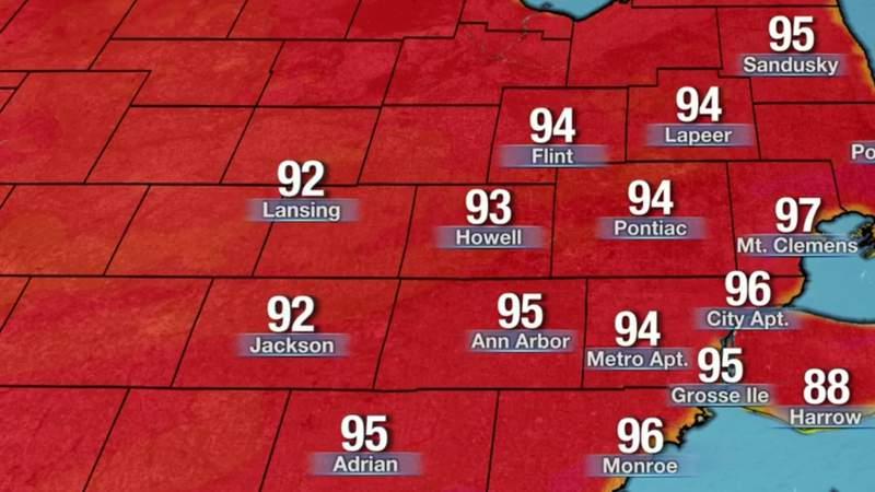 Metro Detroit weather: Muggy Sunday night, hotter weather tomorrow, July 4, 2021, 11 p.m. update