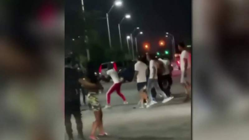 Video shows driver in drifting crash get viciously beaten by onlookers