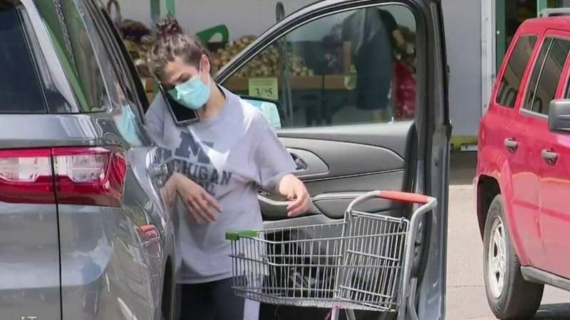 Some shoppers, businesses struggle with new Michigan mask requirements