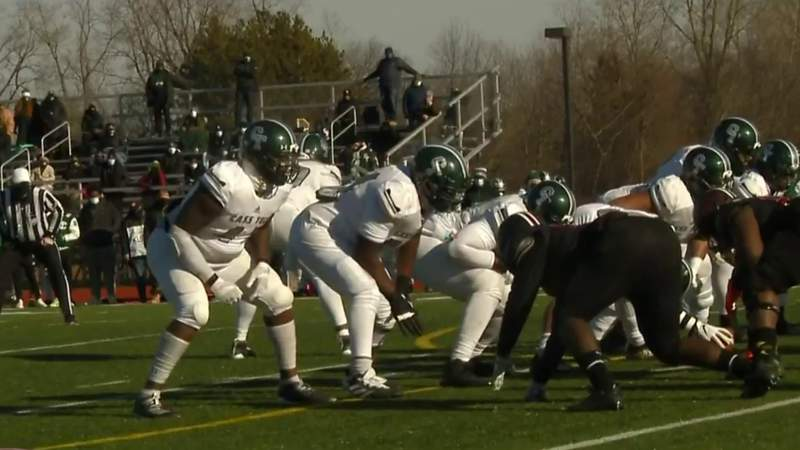 High school football playoffs resume in Michigan after 2-month COVID break