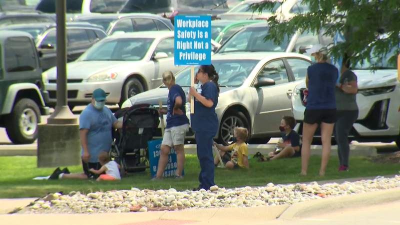 Nurses union pickets over contract negotiations at Ascension Rochester