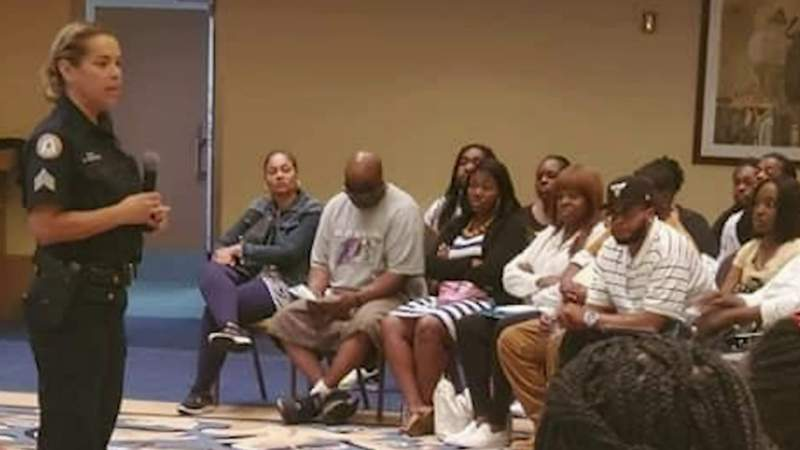 Mentorship program brings Detroit teenagers together with police officers