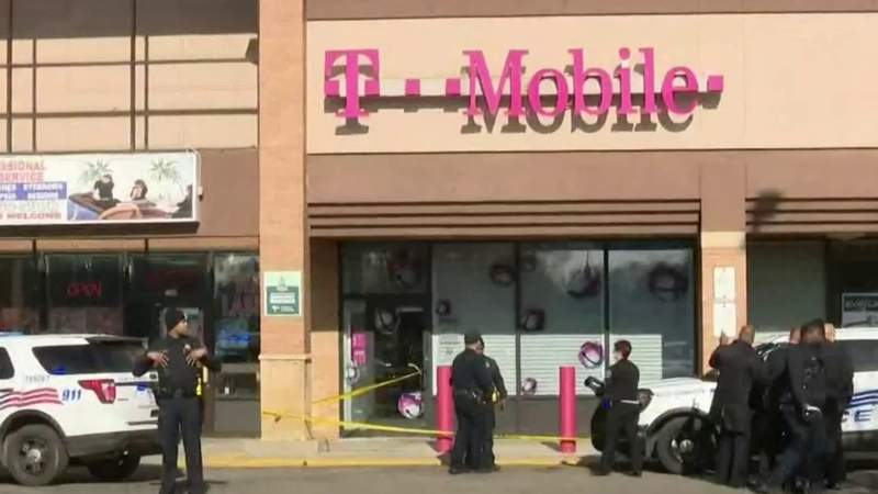 GF Default - Suspected thief shot by security at T-Mobile store on West Outer Drive