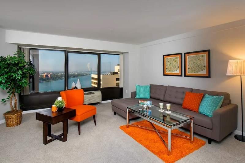 250 Riverfront Drive | Photo: Apartment Guide