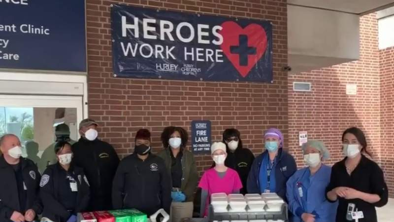 'Feels good to do our part' -- Volunteers partner with Michigan restaurants to feed frontline workers