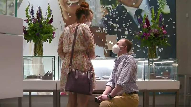 She said yes: Jeweller helps nurse's boyfriend with surprise proposal