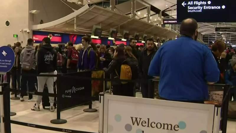 GF Default - Thanksgiving travel rush underway at Detroit Metro Airport (DTW)
