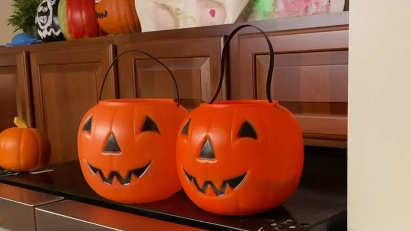 From costumes to candy -- Tips on having a safe Halloween amid COVID pandemic