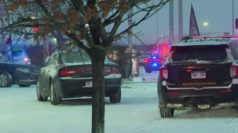 Officers shoot murder suspect after he fired shots into Detroit police station