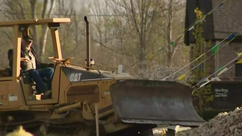 Builders concerned as construction resumes in Michigan