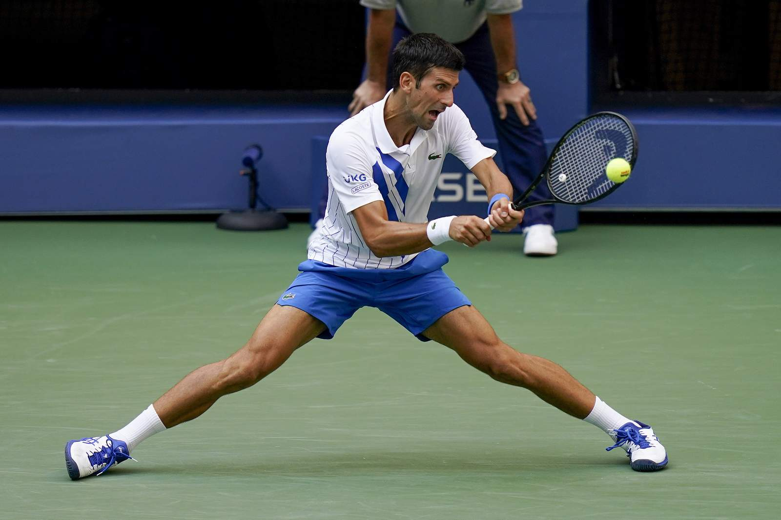 Djokovic Out Of Us Open After Hitting Line Judge With Ball