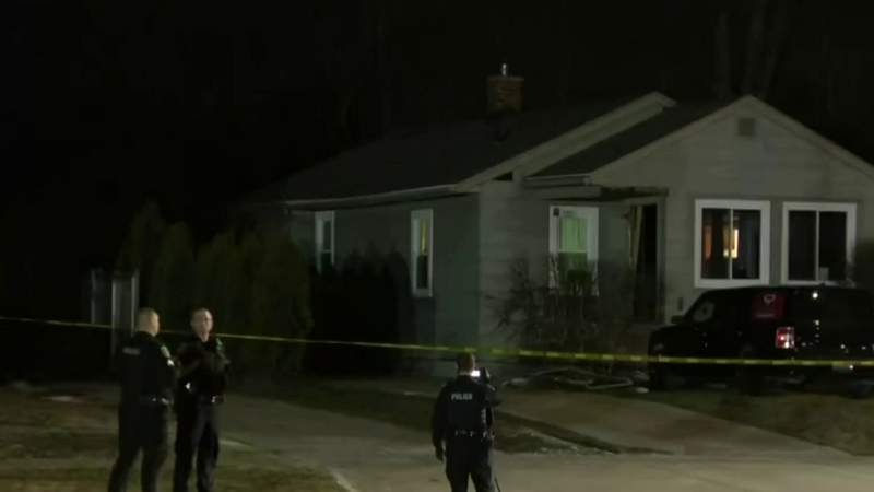 Barricaded situation in Clawson ends, teen girl in critical condition