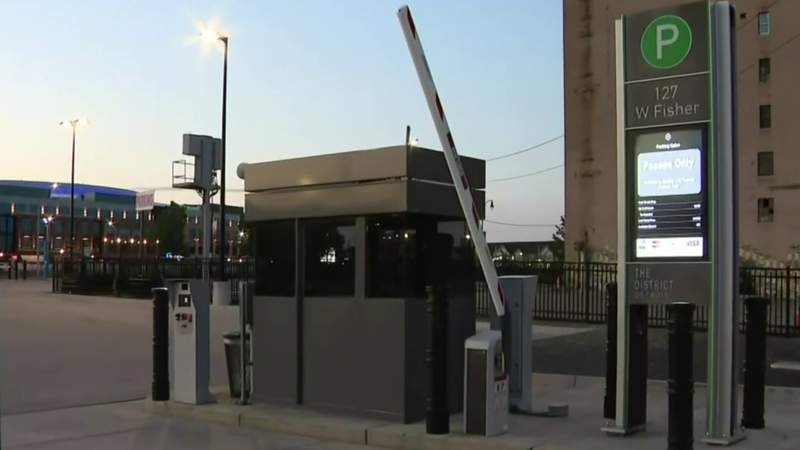 Thieves target gated parking lot near Comerica Park in Detroit