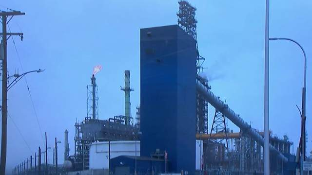 Michigan's environmental agency issued a violation notice to the Detroit Marathon refinery on Friday.