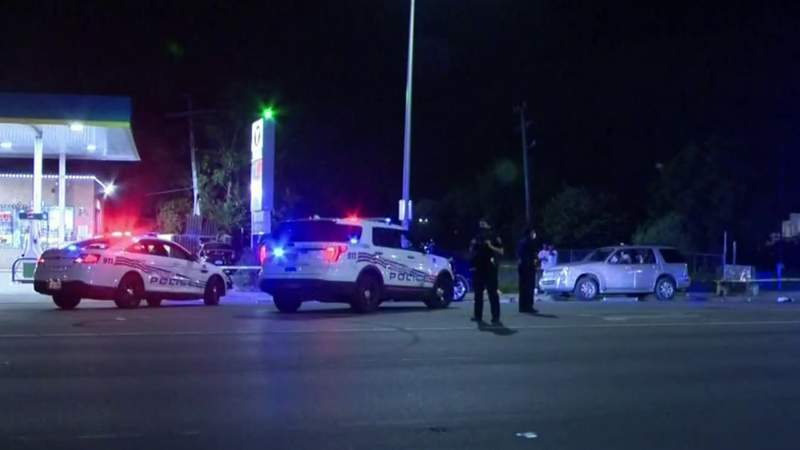 Detroit police seek driver who lost control doing donuts, injured 3 people
