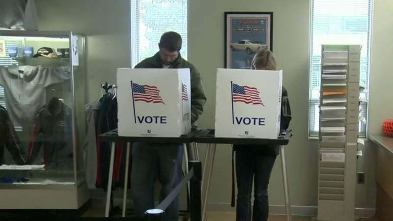 Michigan Secretary of State pushes to change absentee voting process