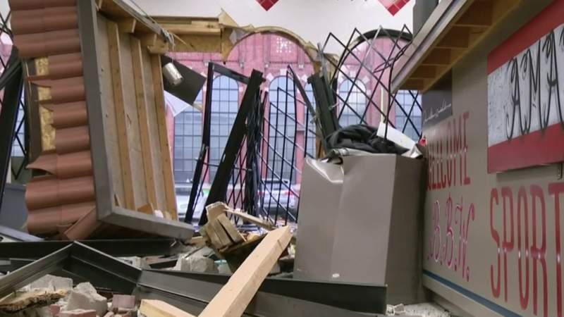 GF Default - Clothes stolen in smash and grab in Detroit