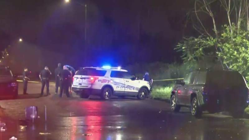 5 hurt, 1 dead in drive-by shooting outside Detroit banquet hall