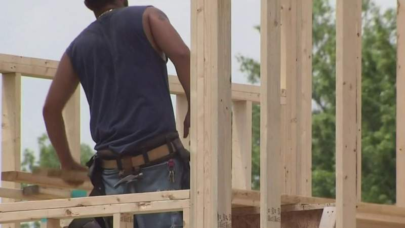 Crazy construction costs impacting homebuyers, builders