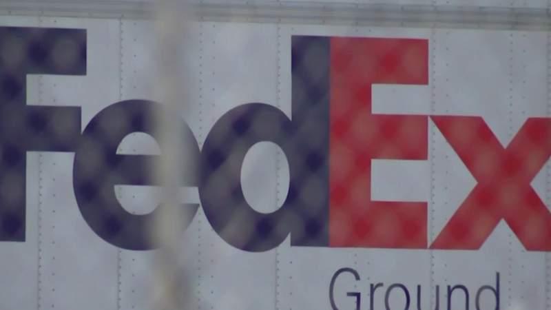 Delivery problems persist at Oak Park FedEx facility