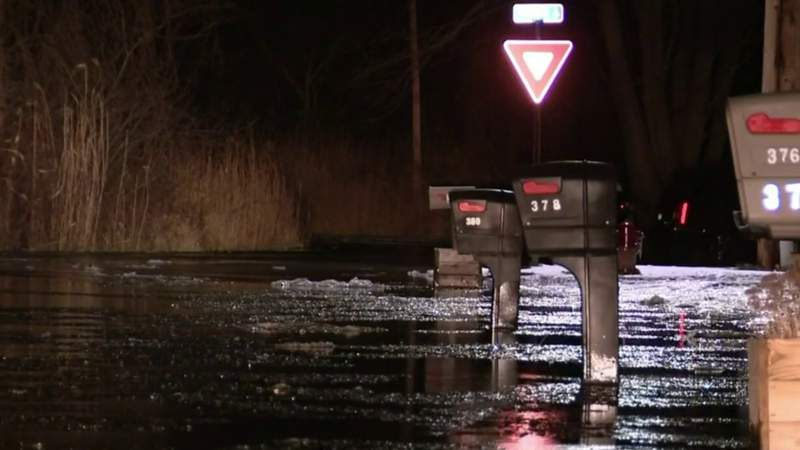 Flooding threatens homes along St. Clair River