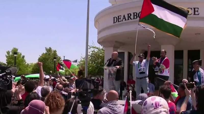 Protestors call for President Biden to intervene in Middle East