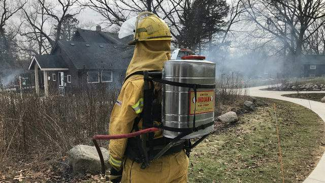 NAP staff hold a controlled burn demo at the Leslie Science and Nature Center on Feb. 22, 2018 (Photo: Meredith Bruckner)