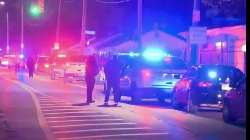 GF Default - Detroit police officer killed in shooting; another expected to recover