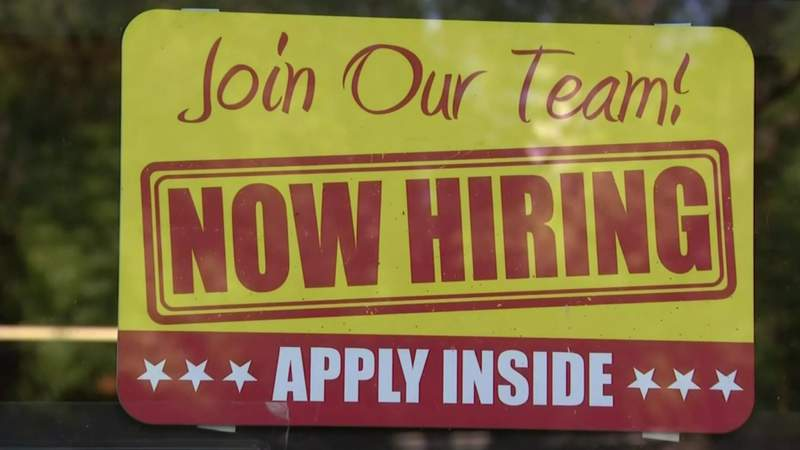 Metro Detroit businesses host job fairs, look for employees