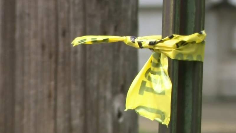 8-year-old shot in the leg in Pontiac