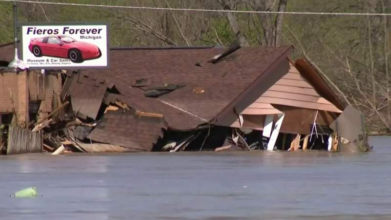Thousands evacuated in Mid-Michigan after dam failures, rain, floods