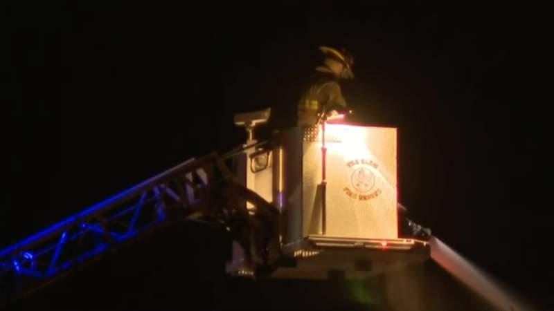 Massive fire destroys part of apartment complex in Mount Clemens
