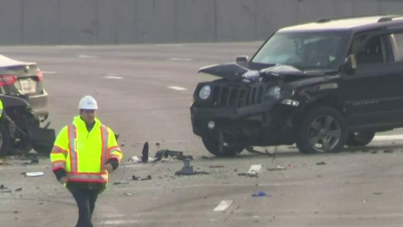 2 men struck by cars, killed after pulling over on I-696 due to minor crash, MSP says