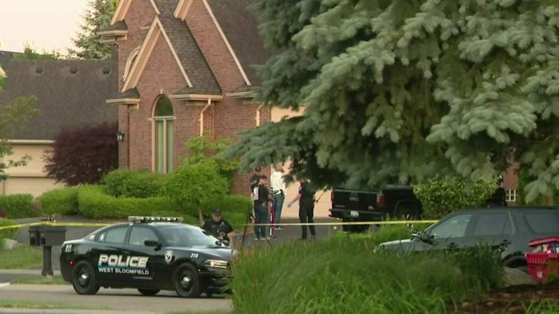 West Bloomfield shooting: 1 killed, 2 injured at home on Chase Court