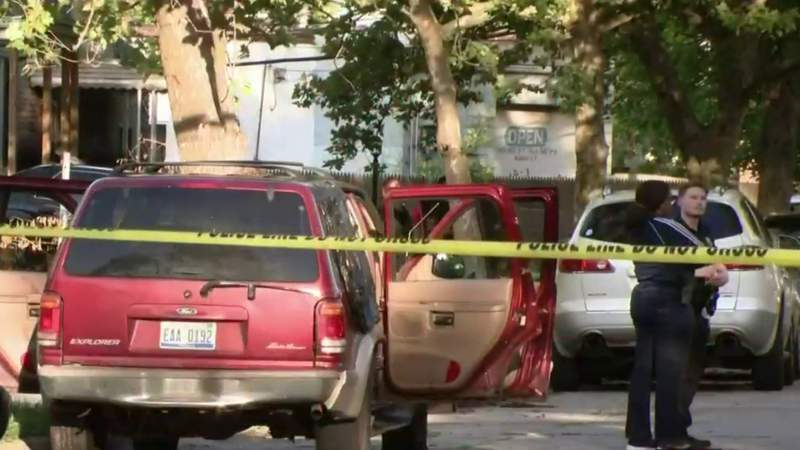 4 teenagers shot sitting in SUV on Detroit's east side