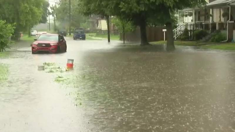 Cars trapped, basements flooded in Southwest Detroit