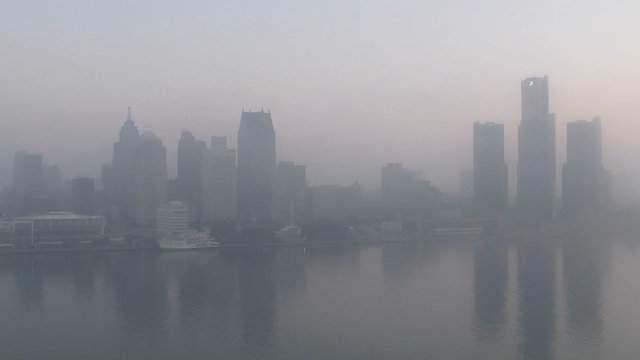 Detroit skyline overwhelmed by fog. (WDIV)