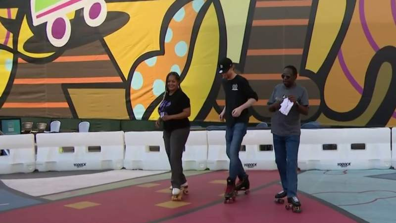 Fitness Friday: Outdoor skating at Monroe Street Midway