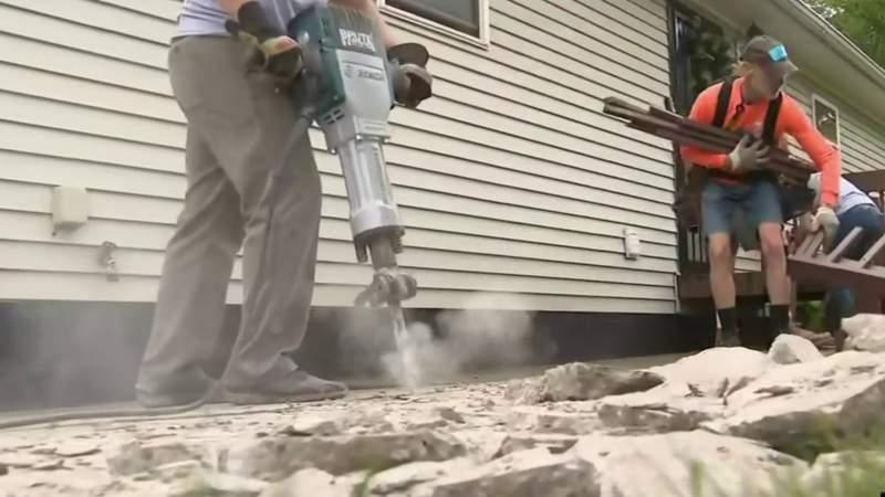 'Rock the Block': Habitat for Humanity volunteers help improve houses in Pontiac