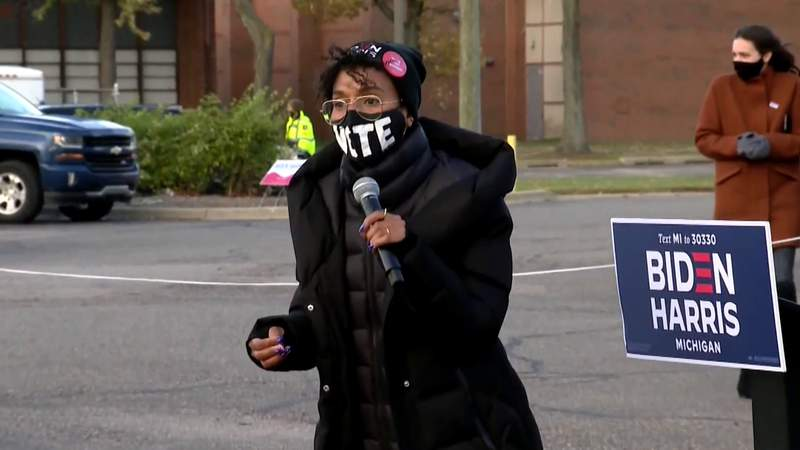 Actress Kerry Washington campaigns in Michigan