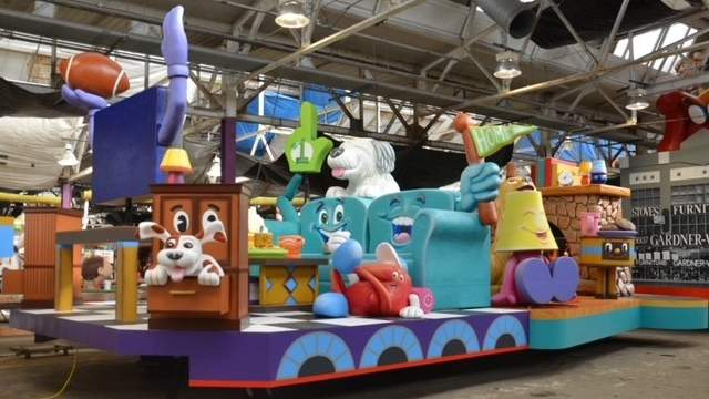 """Gardner White unveils their float, """"There's No Place Like Home"""""""