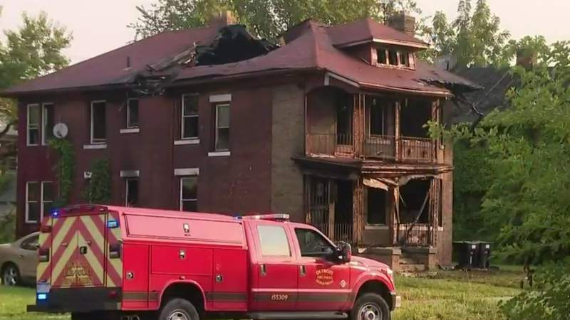 Deadly fire claims 2 lives on Detroit's west side