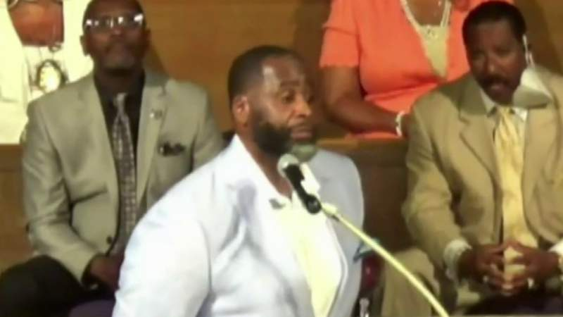 Former mayor Kwame Kilpatrick returns to Detroit to preach at historic Little Rock Baptist Church