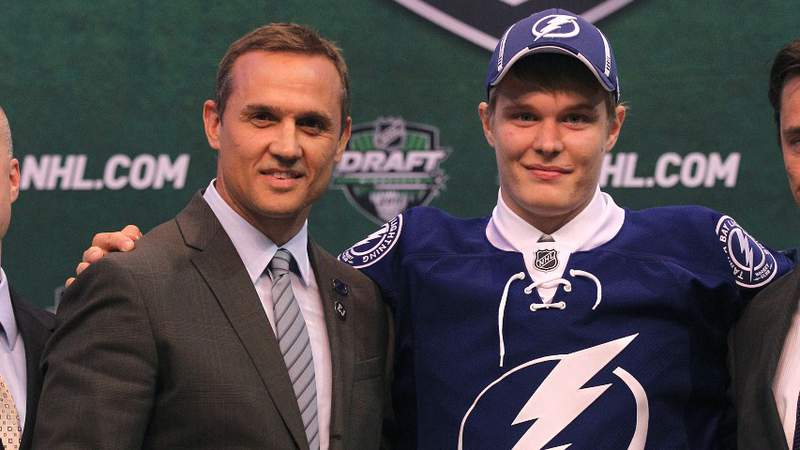 ST PAUL, MN - JUNE 24: Vladislav Namestnikov poses with Steve Yzerman and other members of Tampa Bay Lightning during day one of the 2011 NHL Entry Draft at Xcel Energy Center on June 24, 2011 in St Paul, Minnesota. (Photo by Bruce Bennett/Getty Images)
