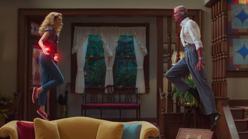 Elizabeth Olsen as Wanda Maximoff and Paul Bettany as Vision in Marvel Studios' WANDAVISION exclusively on Disney+. Photo courtesy of Marvel Studios.